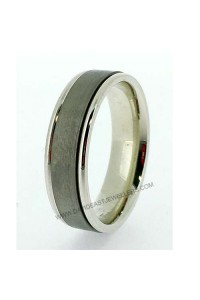 9K and Titanium 6mm Gents Wedding Ring 094091