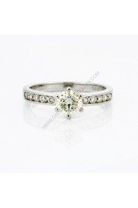 6 Claw Brilliant Cut Diamond Engagment Ring