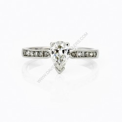 Pear Shape Diamond Engagment Ring