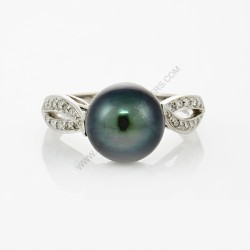9.5 mm Tahitian Pearl Diamond Ring