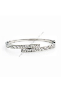 2.09ct(tw) Oval Diamond Bangle