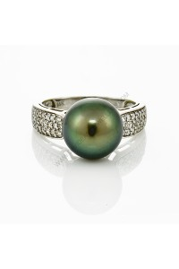 11mm Tahitian Pearl Diamond Ring