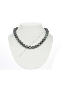 Black Tahitian Pearl Necklace with 14k White Gold Diamond Clasp