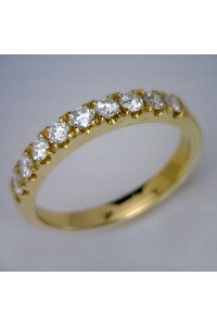 18kt Yellow Gold Diamond Claw Set Wedding Ring