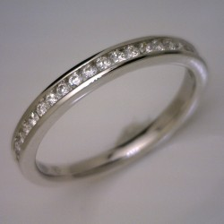 18kt White Gold 24 Round Diamond Channel Set Wedding Ring